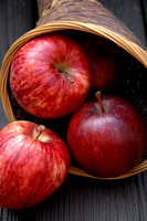 100198 Delicious Red Apples In Basket