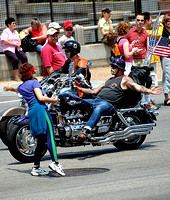 100152 Biker And Woman Hand Slapping